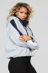 Stay Styling Sweatshirt - Heather Grey