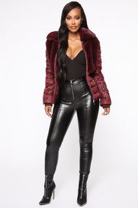 In The Loop Puffer Jacket - Burgundy Angle 2