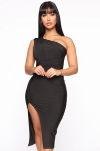Stole Your Heart Bandage Midi Dress - Black