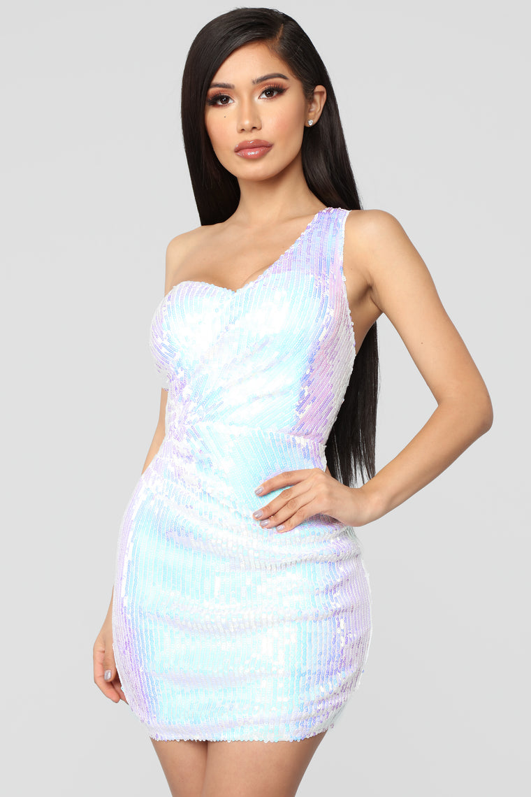 Catch Me On The Gram Sequin Dress - White