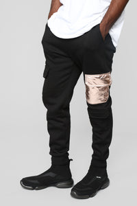 Gold Walk Jogger - Black/Gold