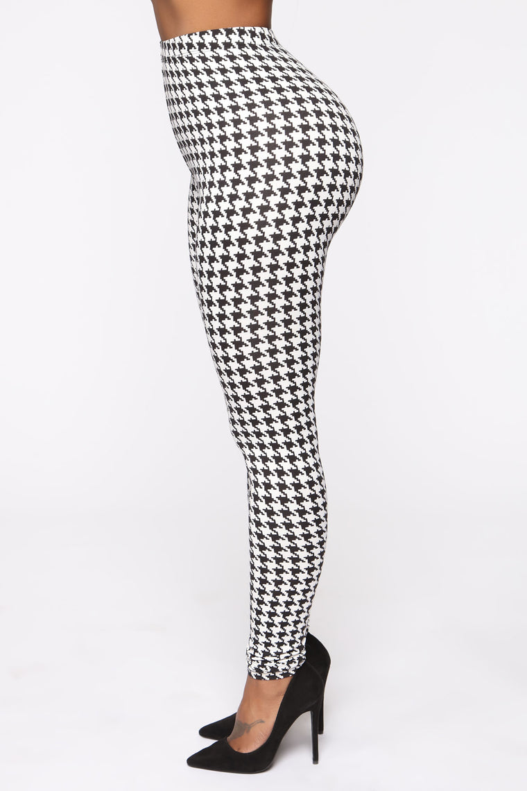 Classy And Cozy Houndstooth Legging - Black/White