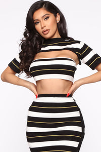 Stripe Down 3 Piece Set - Black/Combo Angle 2