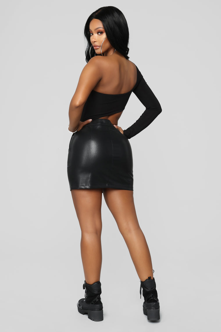 Cutting You Off Long Sleeve Bodysuit - Black
