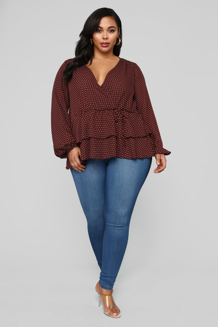 On The Dotted Line Top - Brown