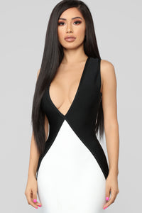Premiere On Beverly Bandage Dress - Black/White Angle 2