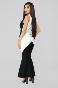 Premiere On Beverly Bandage Dress - Black/White Angle 4