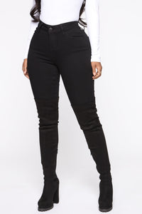 Classic Mid Rise Skinny Jeans - Black Angle 1