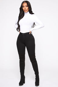 Classic Mid Rise Skinny Jeans - Black Angle 2