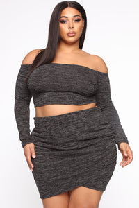 Owen Off Shoulder Skirt Set - Black Angle 9
