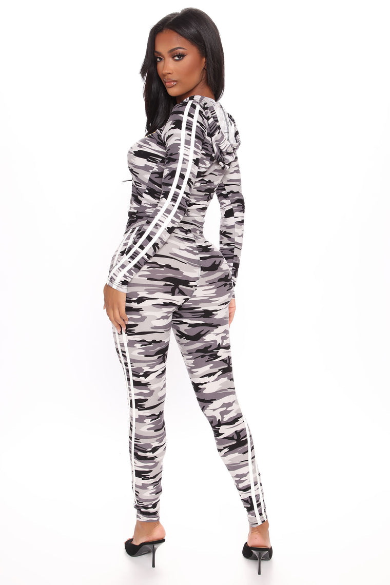 Please Keep Your Distance Camo Legging Set - Grey/combo