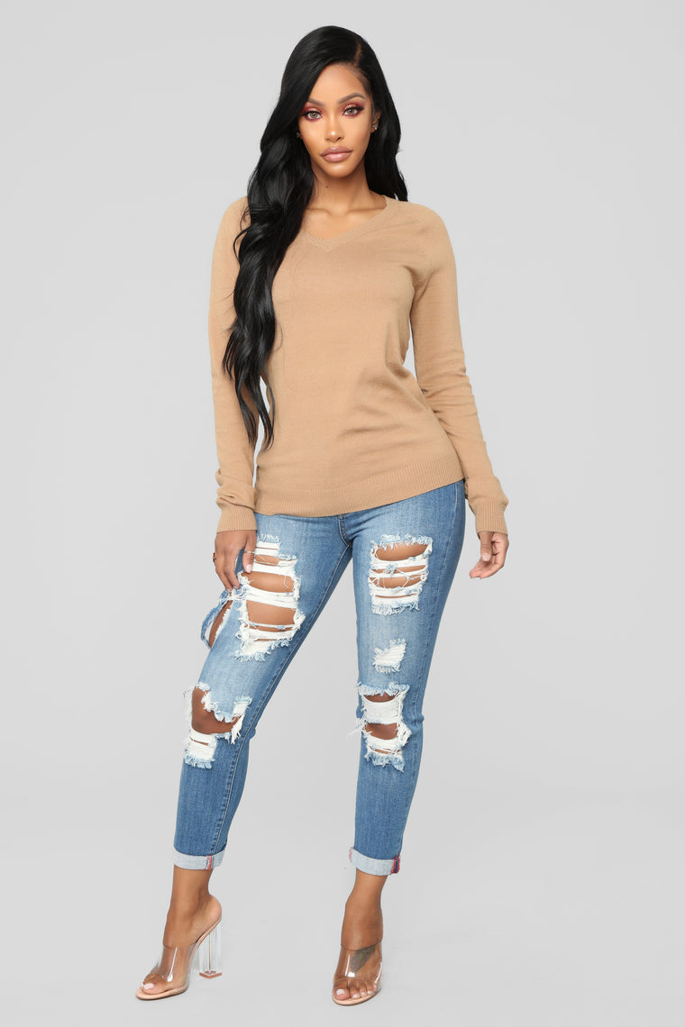 Essential V Neck Sweater - Camel