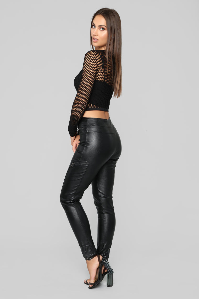 Meshed Up Top - Black