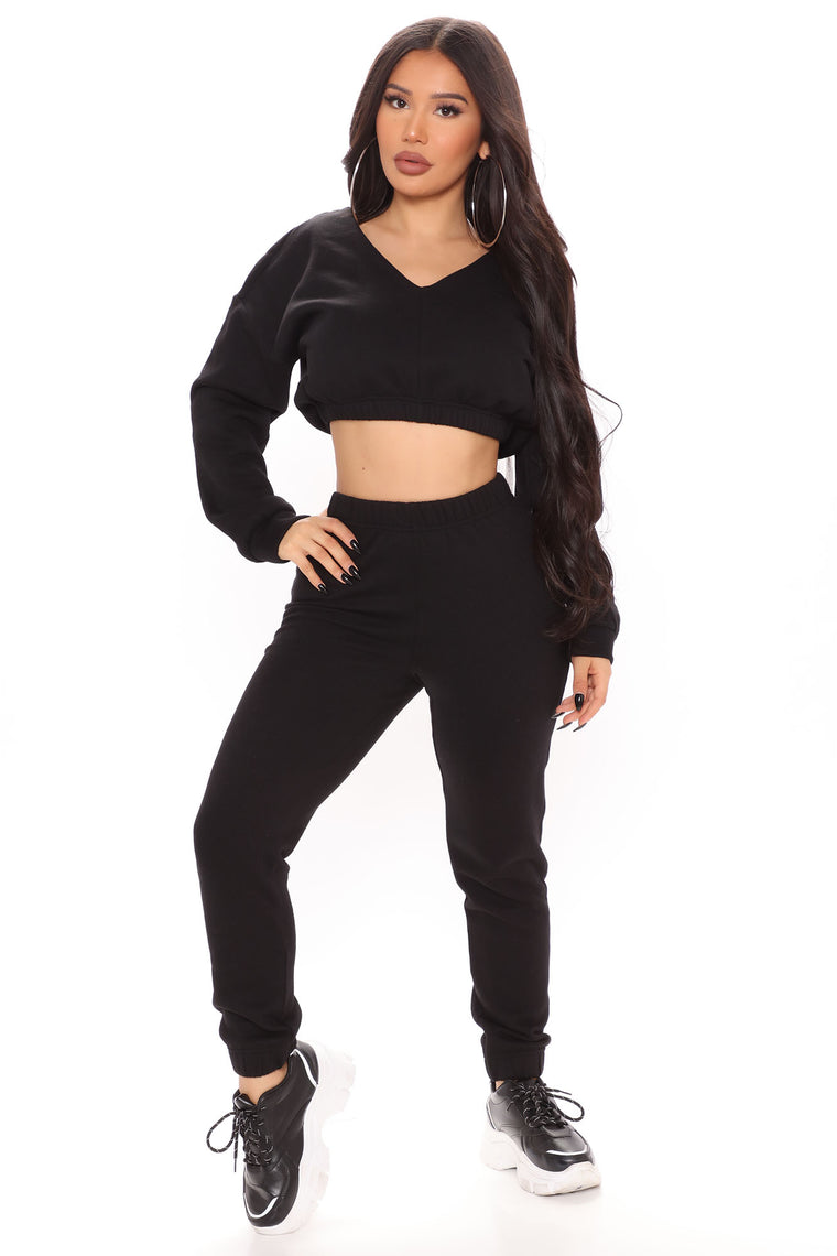 Turning Heads And Hearts Jogger Set - Black