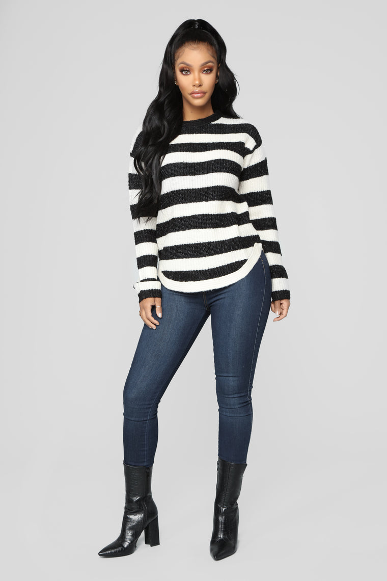 Cozy Stripes Sweater - Black
