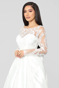 Say Yes Lace Embroidered Gown - Ivory