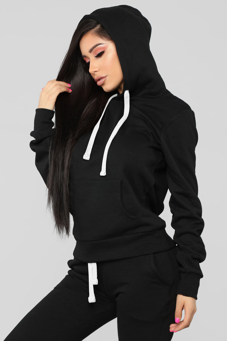 Relaxed Vibe Solid Hoodie - Black