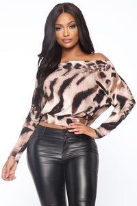 Feline Lucky Leopard Print Top - Brown