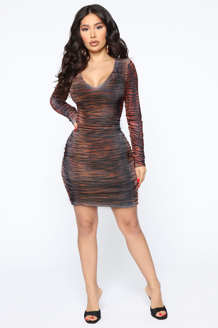 Comes And Goes Midi Dress   Rust/Combo by Fashion Nova