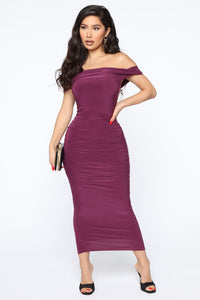 Fresh New Take Ruched Midi Dress - Plum Angle 1