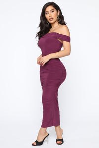 Fresh New Take Ruched Midi Dress - Plum Angle 3