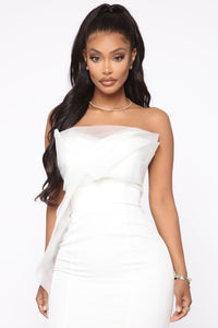 Ruffling Around Maxi Gown - Ivory Angle 2