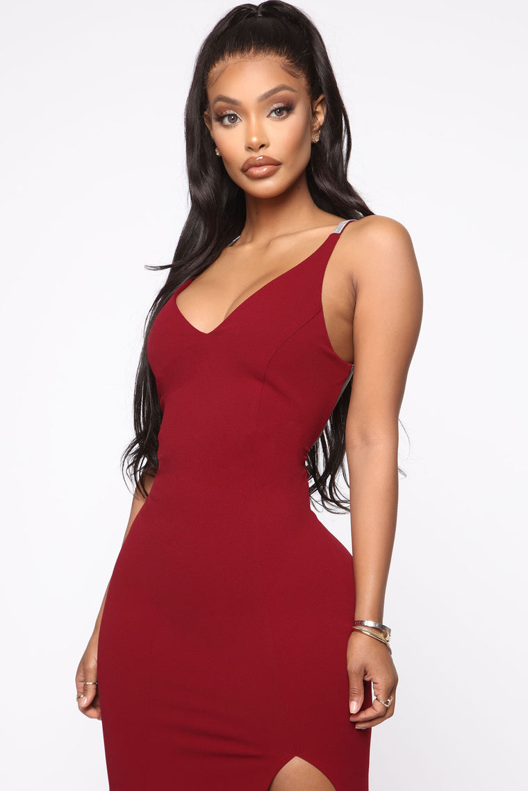 Beneath The Stars Maxi Dress - Burgundy