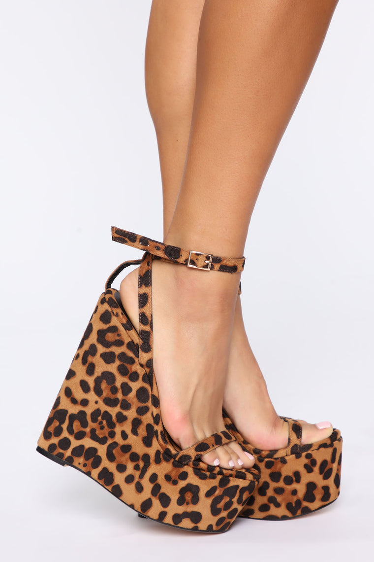 Higher And Higher Wedge - Leopard