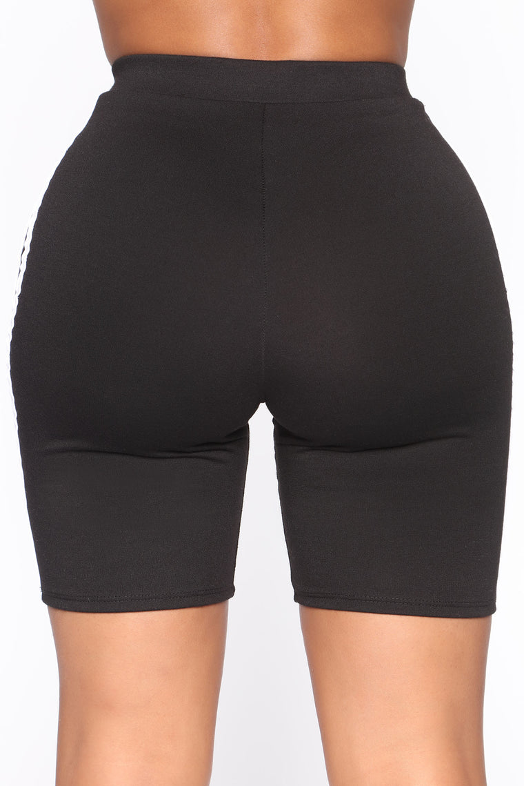 Here To Score Active Biker Short Set - Black