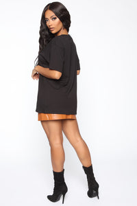 Christina Oversized Tee - Black Angle 5