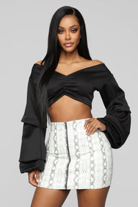 Hold The Drama Crop Top - Black