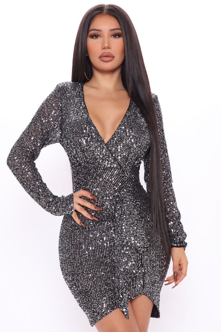 One Step At A Shine Sequin Dress - Black/Silver