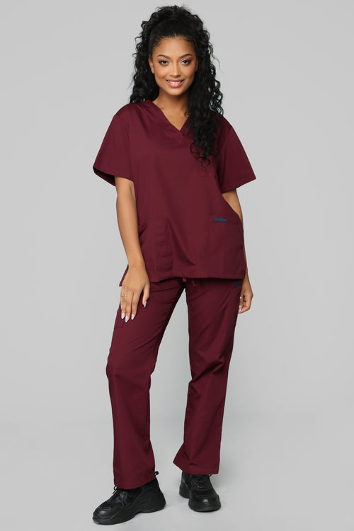 Miracle Worker Classic Scrub Set - Burgundy