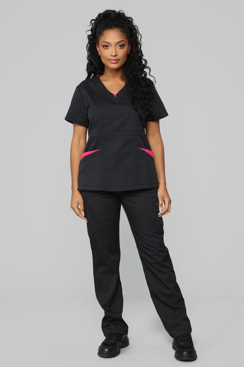 Vital Signs Fitted Scrub Set - Black/Pink
