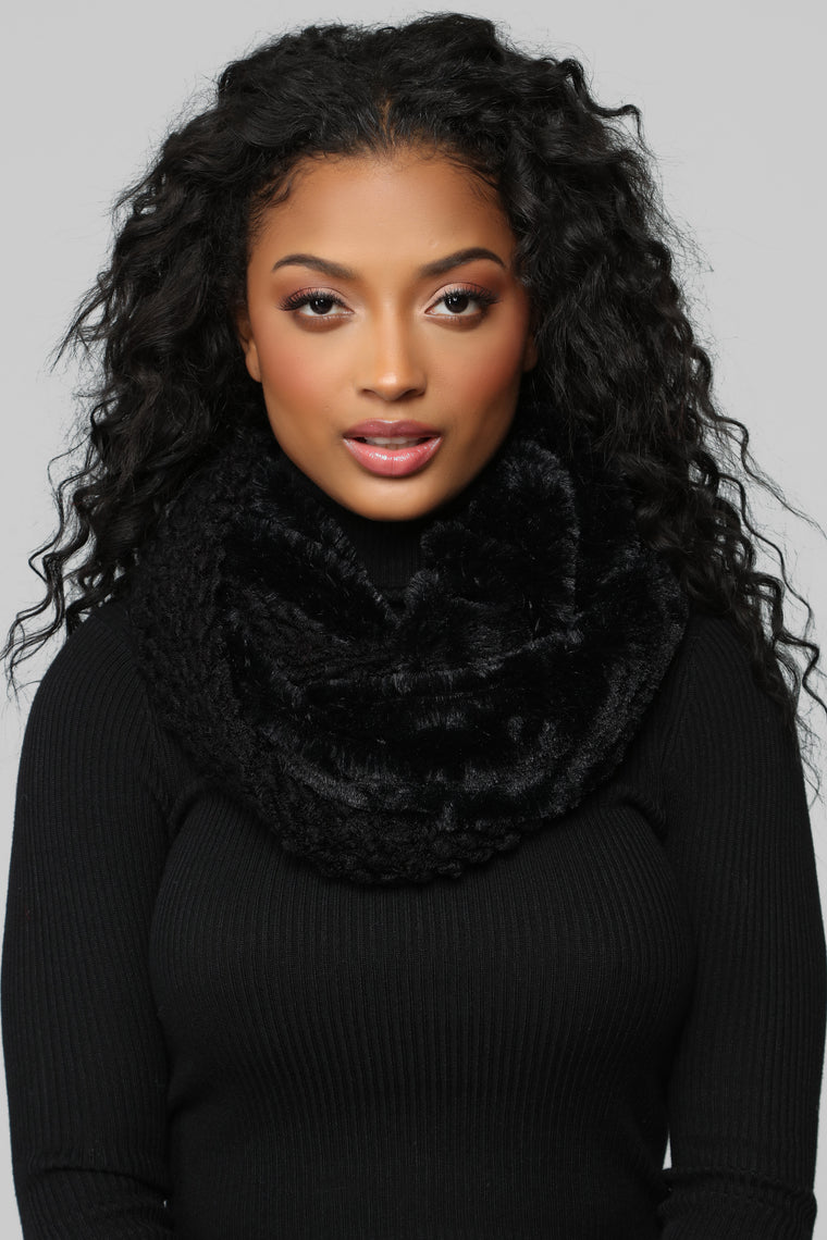 Cozed Me Up Scarf - Black