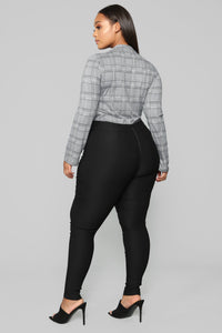 Knot Your Girl Pants - Black Angle 12