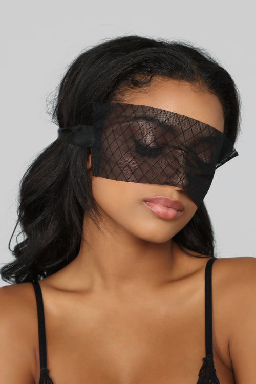 Behind The Mask 3 Piece Set - Black