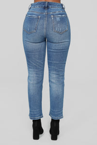 Slice Of Heaven Mom Jeans - Medium Blue Wash Angle 5