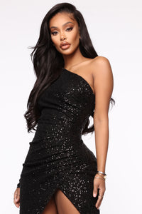 And The Winner Is Sequin Maxi Dress - Black Angle 3
