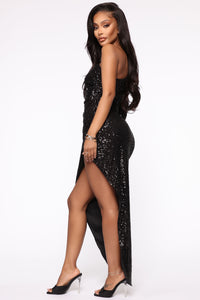 And The Winner Is Sequin Maxi Dress - Black Angle 4