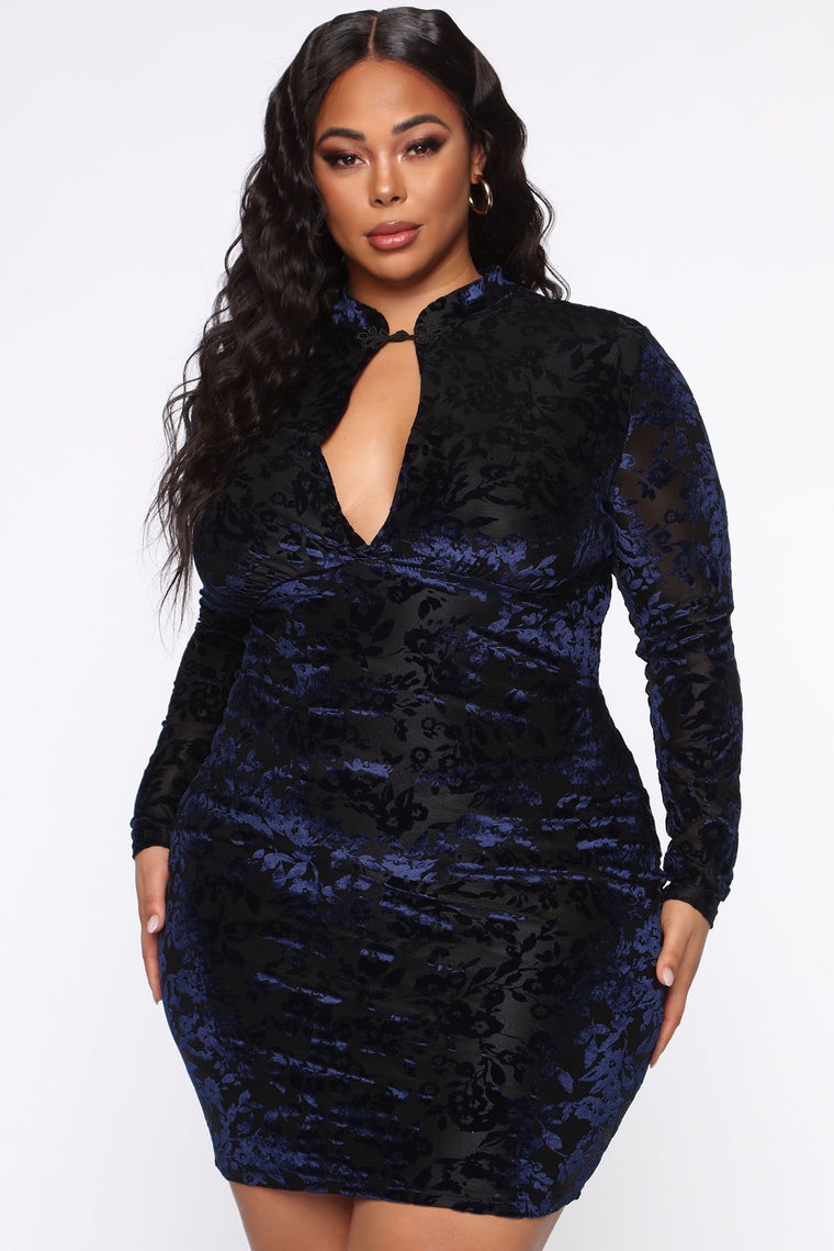 Around The World Velvet Midi Dress - Black/Blue