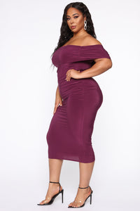 Fresh New Take Ruched Midi Dress - Plum Angle 7