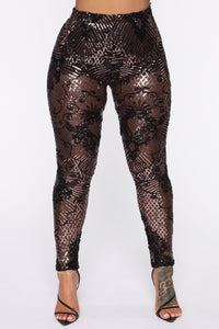 Taking The Night Sequin Set - Black/Rose Angle 6