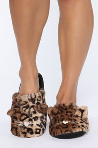Lil Kitty Slippers - Brown Angle 1