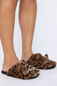 Lil Kitty Slippers - Brown Angle 3