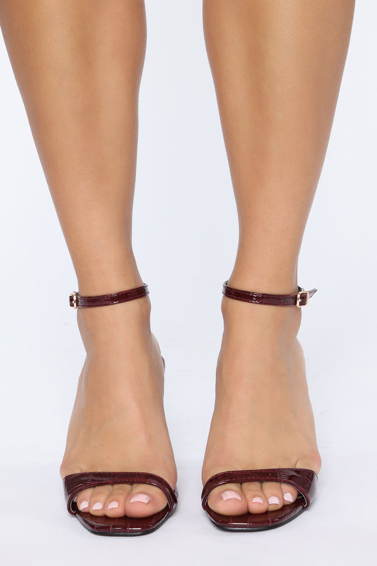 Fallin For You Heels - Burgundy