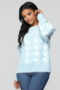 Houndstooth Fuzzy Sweater - Blue