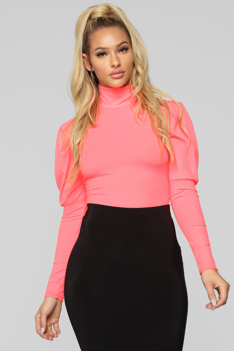 Living Fancy Top - Neon Pink