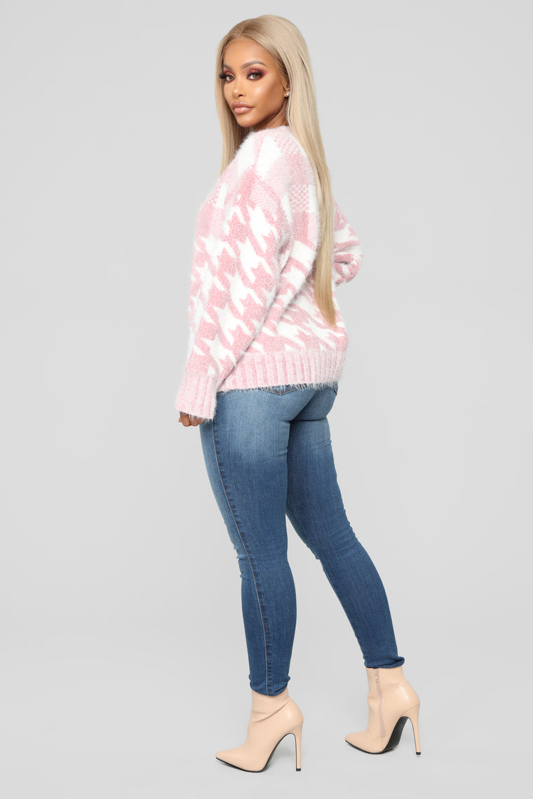 Houndstooth Fuzzy Sweater - Pink