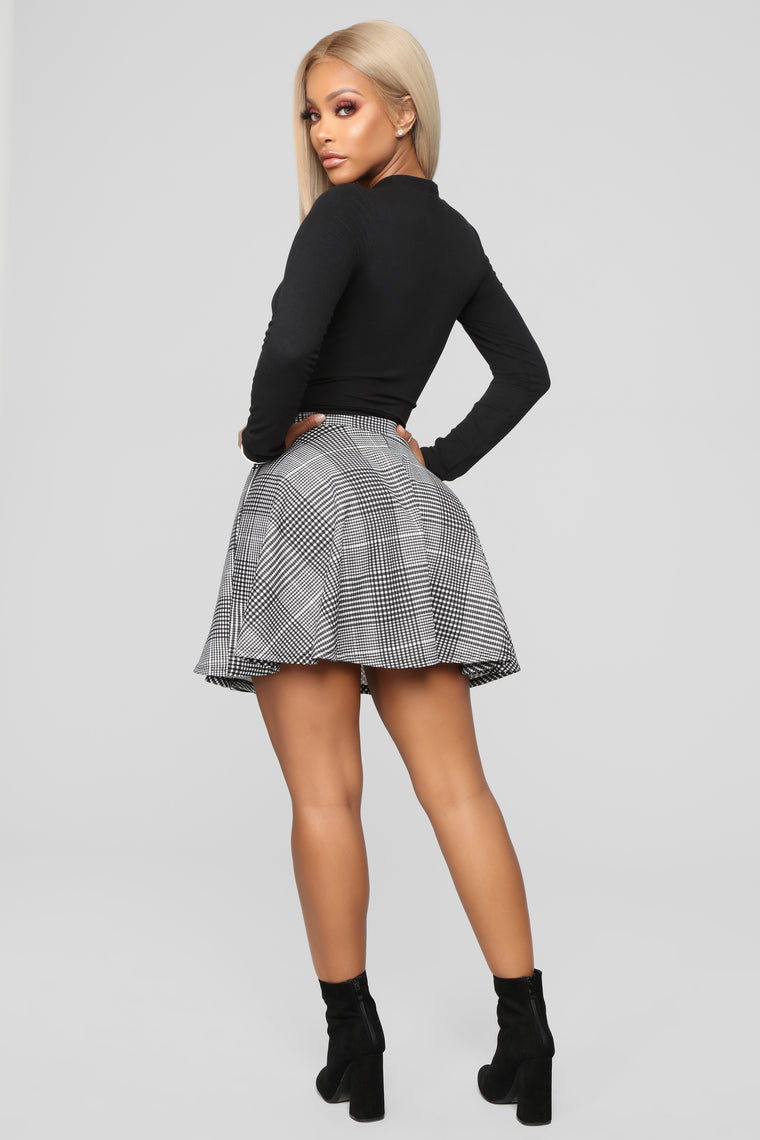 Plaid You Along Circle Skirt - Black/White